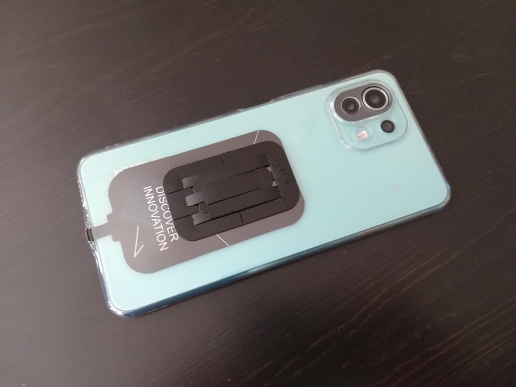 Xiaomi Mi 11 Lite 5Gのスマホリングより正解なナンチャラ(「goBelt」って名前らしいよ、ドイツからやってきた極薄スマホグリップでワイヤレス充電が更に快適に)